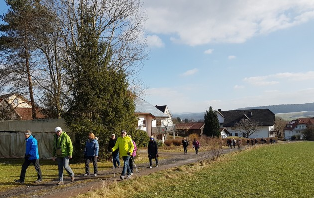 Hutzelwanderung nach Dorfborn (1)